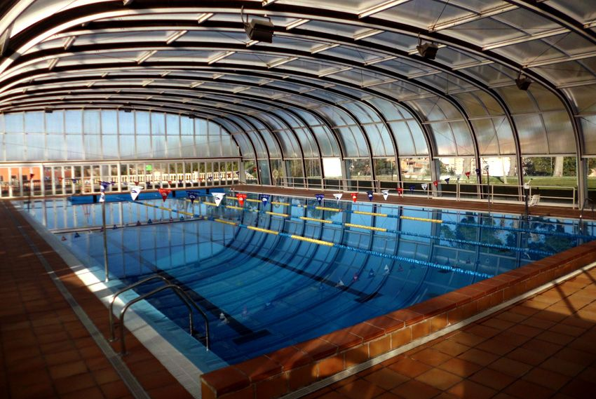 Deportes bienvenidos a la p gina oficial del ayuntamiento de caspe - Gimnasio con piscina zaragoza ...