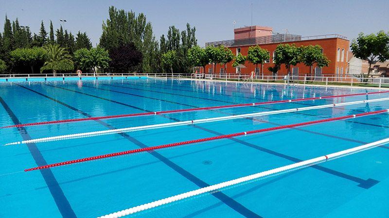 Servicio de calles de nataci n en la piscina ol mpica de for Juntas piscina