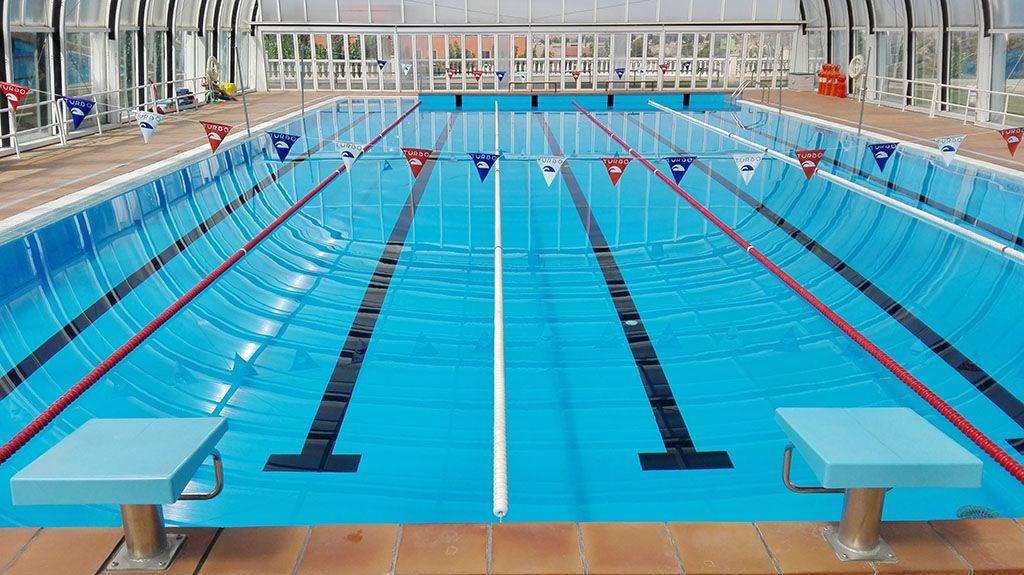 Inscripci n en los cursillos de nataci n y acuagym en la for Piscina cubierta zaragoza