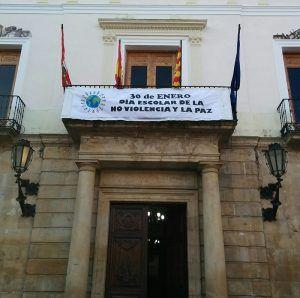 Balcón Ayuntamiento Día No Violencia y la Paz