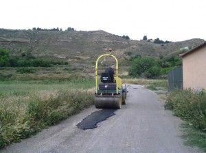 Parcheo con asfalto en frio del camino del Sanchuelo