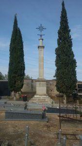monolito-cementerio