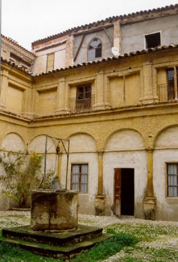claustro san agustin cerrado